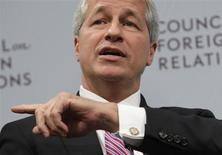 JPMorgan Chase & Co CEO Jamie Dimon gestures as he talks about the state of the global economy at a forum hosted by the Council on Foreign Relations (CFR) in Washington October 10, 2012. REUTERS/Yuri Gripas