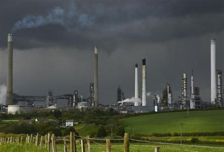 Pembroke Oil Refinery is seen in Pembrokeshire in Wales May 17, 2013. Commissioned in 1964, the refinery has over 700 employees. REUTERS/Toby Melville