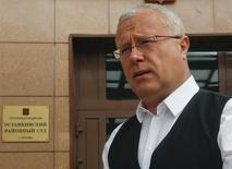 L'homme d'affaires russe Alexandre Lebedev est en négociations avec des investisseurs pour vendre sa part de 4,5% dans le capital de la compagnie aérienne russe Aeroflot, selon le quotidien financier Vedomosti. /Photo prise le 20 mai 2013/REUTERS/Maxim Shemetov