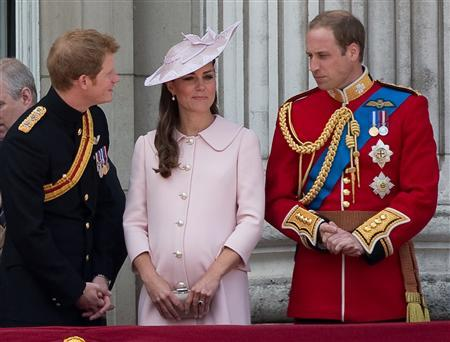 Prince Harry (L), Prince William (R) and Catherine, Duchess of Cambridge stand on the balcony of Buckingham Palace after the Trooping the Colour ceremony in central London June 15, 2013. REUTERS/Paul Hackett
