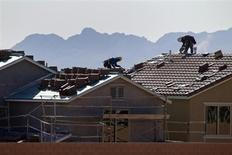 Roofers work on new homes at a residential construction site in the west side of the Las Vegas Valley in Las Vegas, Nevada April 5, 2013. REUTERS/Steve Marcus