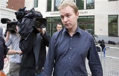 Former UBS trader Tom Hayes leaves Westminster Magistrates Court in London June 20, 2013. REUTERS/Neil Hall