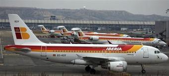 International Airlines Group a jugé jeudi que la situation d'Iberia, l'une de ses composantes, était critique, et que la compagnie espagnole n'était plus rentable sur aucun marché, y compris les transports à longue distance. /Photo prise le 28 février 2013/REUTERS/Sergio Perez