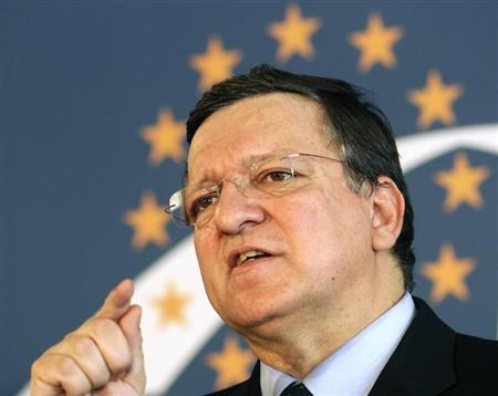 European Commission President Jose Manuel Barroso addresses a news conference after a European People's Party (EPP) leaders' meeting in Vienna June 20, 2013. REUTERS/Heinz-Peter Bader