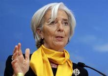 Diretora-geral do FMI, Christine Lagarde, fala durante seminário em Washington, EUA. O presidente-executivo da France Telecom disse na terça-feira que a chefe do FMI e ex-ministra das Finanças francesa, Christine Lagarde, foi totalmente informada antes de aprovar um processo de arbitragem que determinou um enorme pagamento ao empresário Bernard Tapie, em 2008. 21/04/2013 REUTERS/Yuri Gripas