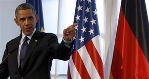 U.S. President Barack Obama makes a dinner speech at the Chralottenburg Castle in Berlin June 19, 2013. REUTERS/Michael Sohn/Pool