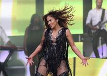 """Singer Jennifer Lopez performs at """"The Sound of Change"""" concert at Twickenham Stadium in London in this June 1, 2013 file photo. REUTERS/Neil Hall/Files"""