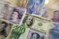 """Le secteur bancaire est à suivre à la Bourse de Paris après l'annonce par la Réserve fédérale de l'adoption des dispositions dites de """"Bâle III"""", qui impliquent un durcissement des ratios de solvabilité des banques. /Photo d'archives/REUTERS/Kacper Pempel"""