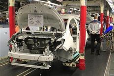 Toyota Motor a annoncé le rappel de quelque 185.000 véhicules dans le monde, dont des Yaris, en raison d'un défaut du système de direction assistée électrique. /Photo d'archives/REUTERS/Pascal Rossignol