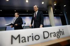 La Banque centrale européenne -qui a maintenu jeudi ses taux d'intérêt à leur niveau actuel- est encore loin d'entamer son désengagement de sa politique monétaire actuellement accommodante, a déclaré son président, Mario Draghi. /Photo prise le 4 juillet 2013/REUTERS/Ralph Orlowski