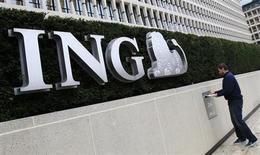 ING va vendre à BNP Paribas Cardif, filiale d'assurance de BNP Paribas, sa participation de 50% dans leur coentreprise d'assurance vie chinoise ING-BOB Life. /Photo d'archives/REUTERS/Yves Herman