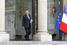 """Le Premier ministre, Jean-Marc Ayrault, présente ce mardi à Paris son programme """"Investir pour la France"""" destiné à financer des projets pour la décennie à venir grâce à une enveloppe de 10 à 12 milliards d'euros assortie d'un emprunt limité. /Photo prise le 2 mai 2013/REUTERS/Charles Platiau"""