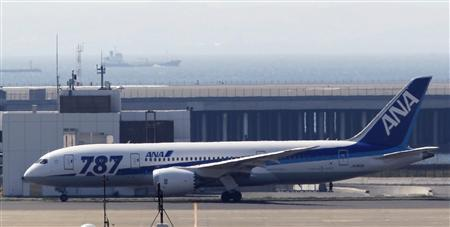 An All Nippon Airways' (ANA) Boeing Co's 787 Dreamliner plane takes off for a test flight at Haneda airport in Tokyo April 28, 2013. REUTERS/Yuya Shino