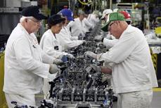 La production industrielle des Etats-Unis a augmenté un peu plus que prévu en juin, la production proprement manufacturière ayant accéléré, un signe bienvenu pour une économie qui semble avoir sensiblement freiné au deuxième trimestre. /Photo d'archives/REUTERS/Paul Vernon