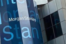 Штаб-квартира Morgan Stanley в Нью-Йорке 22 мая 2012 года. Прибыль Morgan Stanley во втором квартале превысила прогнозы, поскольку доходы повысились во всех его крупных подразделениях, в частности, в сфере торговли и гарантирования ценных бумаг. REUTERS/Andrew Burton