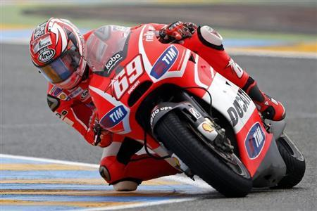 Ducati MotoGP rider Nicky Hayden of the U.S. rides during the French Grand Prix in Le Mans circuit, central France May 19, 2013. REUTERS/Benoit Tessier