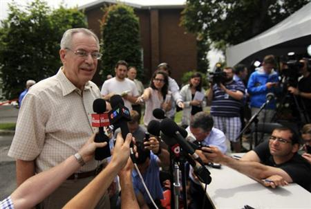Ed Burkhardt, chairman of Montreal, Maine and Atlantic Railways (MMA), speaks to the media as he arrives in Lac-Megantic, Quebec July 10, 2013. REUTERS/Julie Gordon