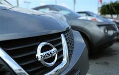 Nissan a vu son bénéfice net progresser plus que prévu au cours de la période avril-juin, le premier trimestre de son exercice 2013-2014, la bonne tenue de ses ventes aux Etats-Unis ayant permis de compenser des performances commerciales mitigées en Chine. /Photo prise le 3 juin 2013/REUTERS/Gary Cameron