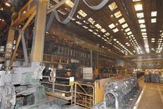 Vallourec, producteur de tubes sans soudure en acier, confirme ses objectifs annuels. Le groupe, qui a vu ses résultats progresser nettement au deuxième trimestre, bénéficie notamment de l'essor du pétrole de schiste aux Etats-Unis. /Photo d'archives/REUTERS/Charles Platiau