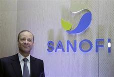 Chris Viehbacher, directeur général de Sanofi. Le chiffre d'affaires du laboratoire français est ressorti à 8.003 millions au deuxième trimestre (-9,8% en onnées publiées et -6,3% à change constant), marqué par une perte de ventes de 481 millions due à la concurrence des génériques. Les analystes attendaient 8.461 millions d'euros, selon le consensus Thomson Reuters. /Photo prise le 7 février 2013/REUTERS/Jacky Naegelen