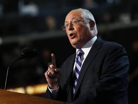 Governor of Illinois Pat Quinn addresses the first session of the Democratic National Convention in Charlotte, North Carolina, September 4, 2012. REUTERS/Jessica Rinaldi