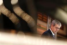 """Philippe Varin, président du directoire de PSA Peugeot Citroen. Le groupe automobile figure parmi les valeurs à suivre après que l'agence de notation Moody's a abaissé jeudi soir la perspective de sa note B1 de """"stable"""" à """"négative"""". /Photo prise le 31 juillet 2013/REUTERS/Benoît Tessier"""