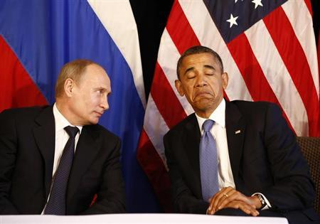 U.S. President Barack Obama (R) meets with Russia's President Vladimir Putin in Los Cabos, Mexico, June 18, 2012. The leaders are in Los Cabos to attend the G20 summit. REUTERS/Jason Reed