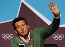 O ex-atleta Sebatian Coe, chefe do comitê organizador das Olimpíadas de Londres em 2012, gesticula durante uma coletiva de imprensa em Londres. A vida de Sebastian Coe mudou quando ele conquistou a medalha dos 1.500 metros na politicamente tensa Olimpíada de 1980, e por isso não foi uma surpresa ouvi-lo dizer, neste sábado, que a sugestão de um boicote aos Jogos de Sochi, no ano que vem, é equivocada. 29/07/2012. REUTERS/Luke MacGregor