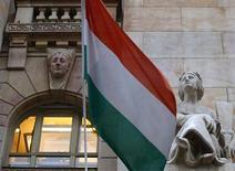 La Hongrie a remboursé par anticipation la dernière tranche de sa dette, soit 2,15 milliards d'euros, sur un prêt de 20 milliards d'euros octroyé par le Fonds monétaire international (FMI) en 2008. /Photo d'archives/REUTERS/Laszlo Balogh