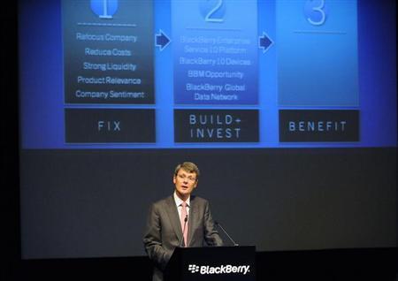 8月12日、カナダのブラックベリーは、合弁事業や提携、身売りなどの可能性も含めた経営戦略を模索していることを明らかにした。写真はハインズ最高経営責任者(CEO)。オンタリオ州で7月撮影(2013年 ロイター/Jon Blacker)