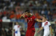 Cristiano Ronaldo gesticula durante empate de Portugal com a Holanda. REUTERS/Rafael Marchante