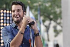 Singer Luke Bryan performs on NBC's 'Today' show in New York, August 16, 2013. REUTERS/Brendan McDermid
