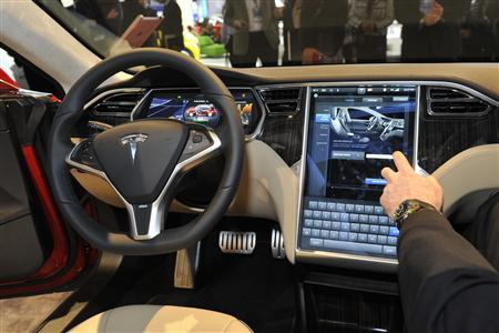 View of the interior of the Tesla Model S at the North American International Auto Show in Detroit, Michigan January 15, 2013. REUTERS/James Fassinger