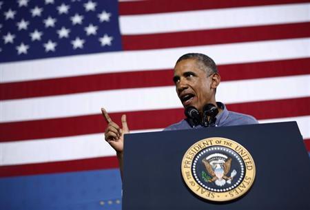 8月23日、オバマ米大統領は、シリアでの化学兵器使用疑惑をめぐり、国際社会は一段の情報を入手する必要があるとし、アサド政権は調査に対し全面的に応じるべきと言明した。ニューヨーク州で22日撮影(2013年 ロイター/Jason Reed)