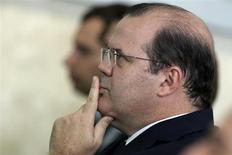 Presidente do BC, Alexandre Tombini, em cerimônia no Palácio do Planalto em Brasília. Levando em conta o desempenho de Alexandre Tombini à frente do Banco Central, investidores podem ser perdoados por achar que ele é excessivamente tolerante à inflação. 15/03/2013 REUTERS/Ueslei Marcelino