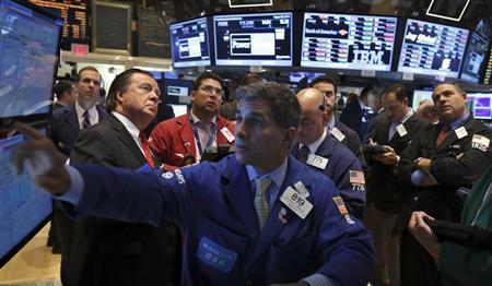 8月28日、米国株式市場は反発した。写真はニューヨーク証券取引所で撮影(2013年 ロイター/Brendan McDermid)