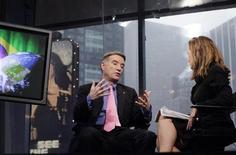 FOTO DE ARCHIVO: El millonario brasileño Eike Batista durante una entrevista con Reuters en Nueva York. 23 de septiembre, 2011. REUTERS/Brendan McDermid (ESTADOS UNIDOS - NEGOCIOS ENERGIA)