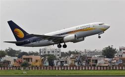 A Jet Airways passenger aircraft takes off from the airport in the western Indian city of Ahmedabad August 12, 2013. REUTERS/Amit Dave