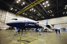 Un Dreamliner 787 de Boeing en un hangar de Air Canada en el aeropuerto Pearson de Toronto, Canadá, mar 2 2012. Boeing Co dijo el martes que espera que Corea del Sur complete en pocas semanas su evaluación de las ofertas por un contrato de aviones de combate por 7.400 millones de dólares, y confía en que su oferta del F-15 Silent Eagle asegurará el pacto. REUTERS/Mark Blinch