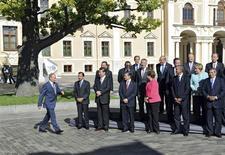 Les dirigeants du G20 réunis à Saint Pétersbourg. Le Groupe des Vingt a prévenu vendredi que l'économie mondiale voyait sa situation s'améliorer mais qu'il était prématuré d'annoncer la fin de la crise, en particulier à cause de la volatilité des marchés émergents. /Photo prise le 6 septembre 2013/REUTERS/Mikhail Klimentyev/RIA Novosti/Kremlin