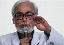 Animador japonês Hayao Miyazaki fala durante coletiva de impresa realizada para anunciar sua aposentadoria do cinema, em Tóquio, 6 de setembro de 2013. O animador japonês premiado com o Oscar Hayao Miyazaki, de 72 anos, anunciou nesta sexta-feira que não fará mais os longas-metragens que lhe renderam fama mundial, e confessou que seu verdadeiro amor é desenhar e que está cansado de dirigir. REUTERS/Yuya Shino