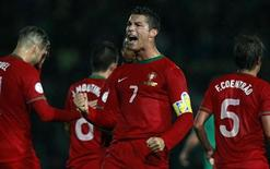 Cristiano Ronaldo comemora gol de Portugal contra Irlanda do Norte nesta sexta-feira. REUTERS/Cathal McNaughton