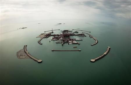 An aerial view shows artificial islands on Kashagan offshore oil field in the Caspian sea, western Kazakhstan, April 7, 2013. Picture taken April 7, 2013. REUTERS/Anatoly Ustinenko