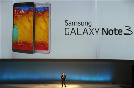 Shin Jong-kyun, President and CEO, head of IT and Mobile Communication division of Samsung presents the Samsung Galaxy Note 3 during its launch at the 'Samsung UNPACKED 2013 Episode 2' at the IFA consumer electronics fair in Berlin, September 4, 2013. REUTERS/Fabrizio Bensch