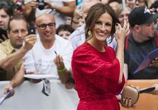 """Cast member Julia Roberts arrives for the """"August: Osage County"""" screening at the 38th Toronto International Film Festival in Toronto, September 9, 2013. REUTERS/Mark Blinch"""