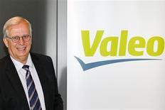 Le directeur général de Valeo, Jacques Aschenbroich. L'équipementier entrevoit un redémarrage progressif du marché automobile européen l'an prochain mais n'attend pas un rebond aussi marqué que ce que les Etats-Unis ont connu après la crise. /photo prise le 30 juillet 2013/REUTERS/Benoît Tessier