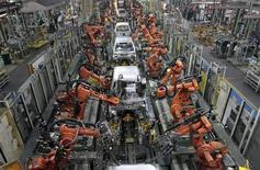 Ford cars are assembled at a plant of Ford India in Chengalpattu in the outskirts of southern city of Chennai March 5, 2012. REUTERS/Babu