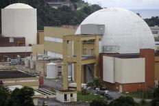 El complejo nuclear de Angra dos Reis em Brasil, mar 14 2011. Brasil probablemente desacelerará sus planes para instalar nuevas plantas nucleares debido a preocupaciones de seguridad surgidas tras la fuga radiactiva ocurrida en 2011 en Japón, dijo el jefe de la agencia de planificación energética del Gobierno. REUTERS/Ricardo Moraes