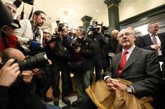 "Rodrigo Rato, former president of Spanish nationalized lender Bankia, attends a ceremony to launch former Spanish prime minister Jose Maria Aznar's book ""Memories I"", in Madrid November 26, 2012. REUTERS/Sergio Perez"