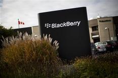 La planta de BlackBerry en Waterloo, Canadá, sep 23 2013. El fabricante de teléfonos avanzados BlackBerry Ltd dijo el lunes que logró un acuerdo para ser adquirido por un consorcio liderado por Fairfax Financial Holdings en 4.700 millones de dólares. REUTERS/Mark Blinch